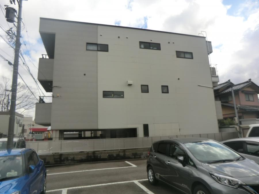 富山市内で IG KOGYO NFT-モンターニュ を施工します。