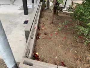 富山市にてフェンス設置工事を行なっております