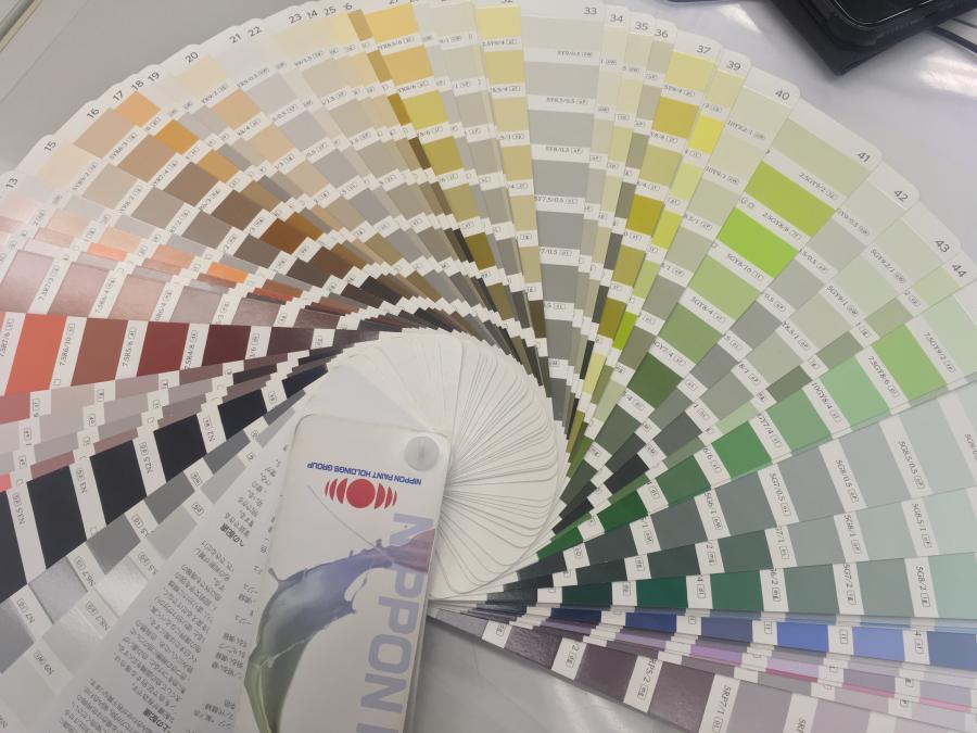 塗装の色選びは難しい・・・。