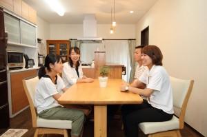 あこがれの対面キッチンで目配りが行き届くようになり、家族の絆が深まりました!