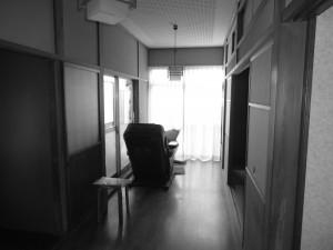 二階廊下施工前です。 階段を上がった先に洗面脱衣室と浴室を新たに設けます。