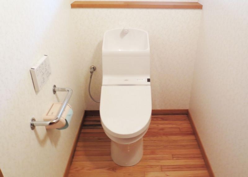 【仕様】トイレ…TOTO HV 色:ホワイト