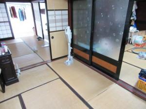 和室施工前 和室が4間あり、それぞれの部屋をうまく活用することができずお悩みでした。